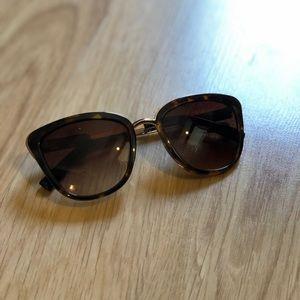 Wing Tip Sunglasses